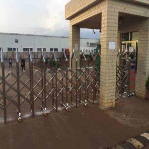 lắp đặt cửa cổng xếp trượt inox tự động khu công nghiệp