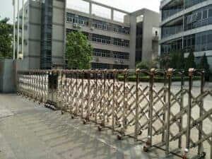 cổng xếp inox tự động cho trường học