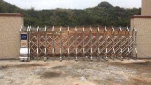 mẫu cổng xếp inox tự động khu công nghiệp