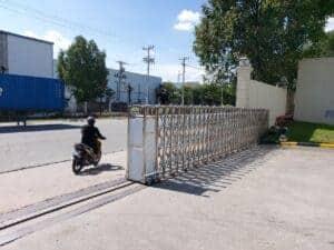 Hỉnh ảnh: thi công cổng xếp có ray