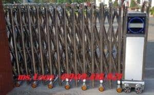 Hình ảnh: Cổng xếp inox không đường ray tại cần thơ