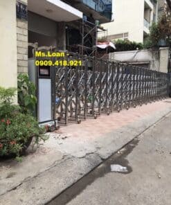 Cổng cửa xếp inox