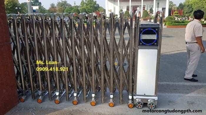 Mẫu cổng xếp inox PT-01