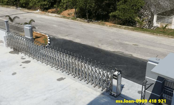 Cổng xếp điện inox tại cà mau